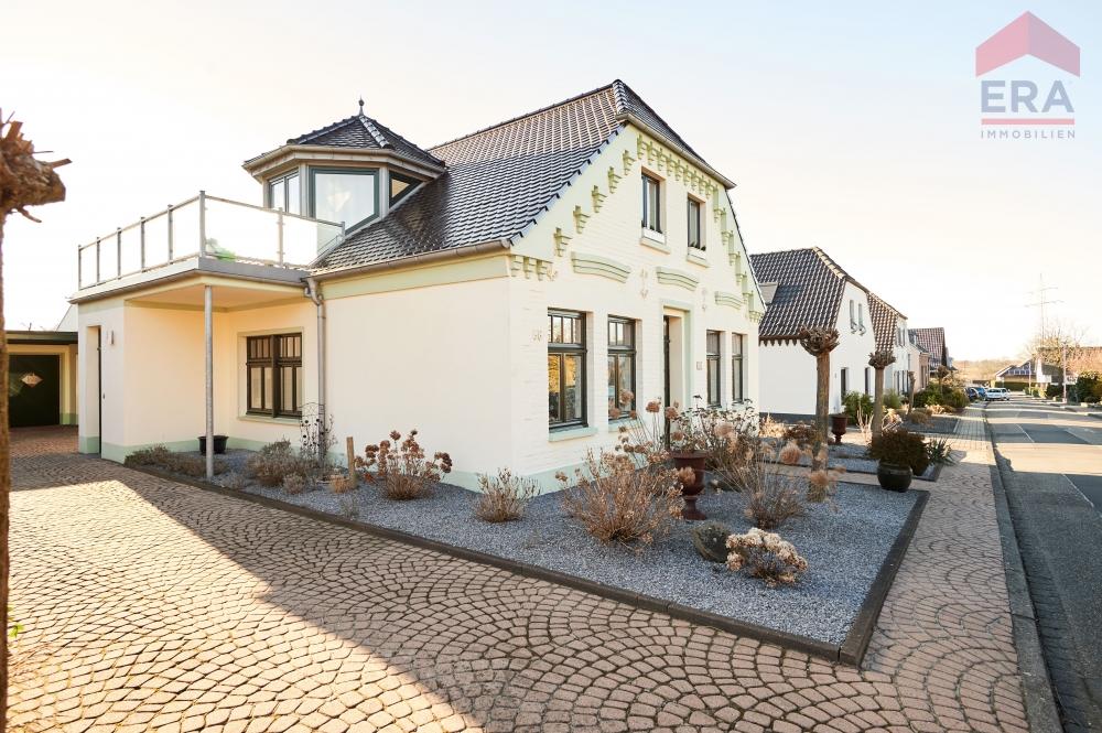 Wunderschones Zweifamilienhaus Im Landhausstil Era Immobilien Sluka